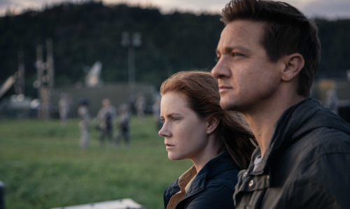arrival-movie-review-amy-adams-jeremy-renner
