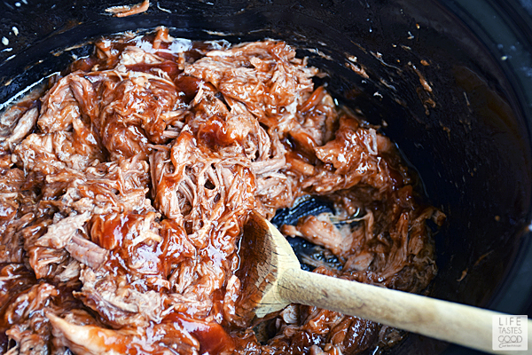 Mix the BBQ sauce into the shredded pork meat