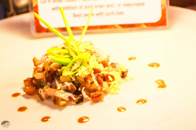 Sisig the Ilocos Way - Dinakdakan!