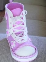 http://manualidadesparaninos.biz/zapatillas-de-goma-eva/