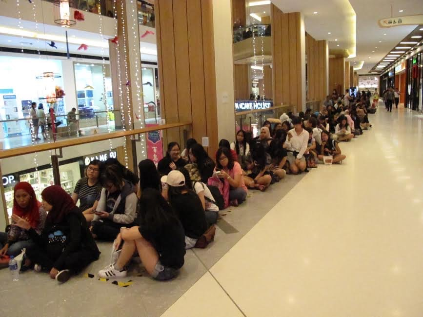 Experiencing Concerts In Malaysia VS Korea   Hostel Hunting