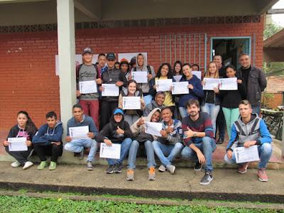 Estudantes receberam certificado de participação ao final da palestra.