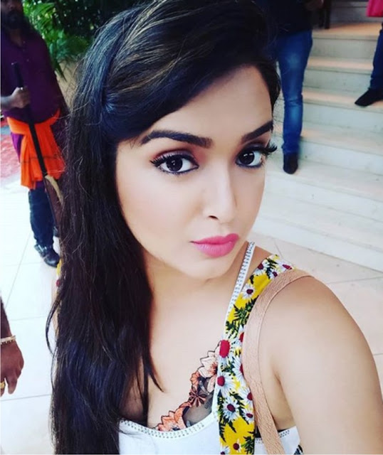 Bhojpuri Actress Amrapali Dubey  IMAGES, GIF, ANIMATED GIF, WALLPAPER, STICKER FOR WHATSAPP & FACEBOOK