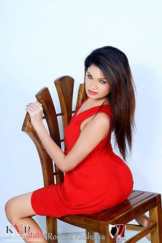 Hot Model Roshini Kaushalya