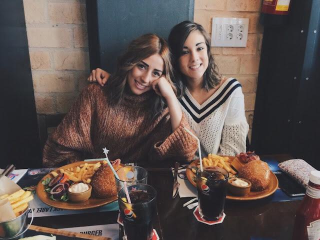 7 hábitos alimentares dos universitários ( que não são normais em adultos)