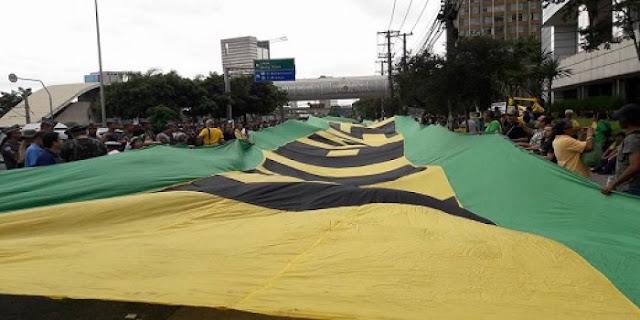 Manifestantes Realizam Atos Pedindo Intervenção Militar