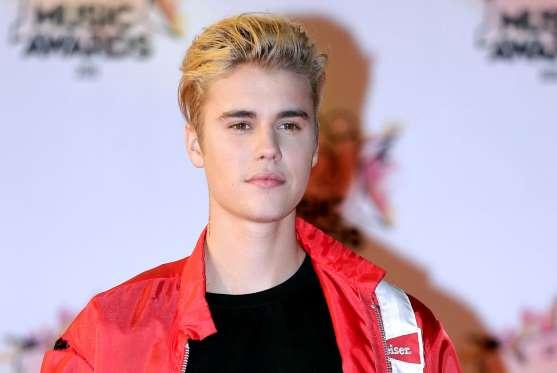 Justin Bieber wins 3 MTV EMA Europe music awards
