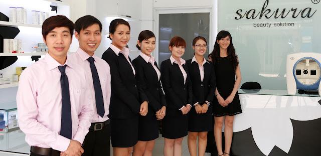 Đội ngũ nhân viên tư vấn khách hàng chuyện nghiệp