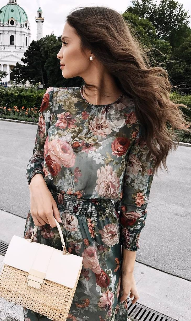 awesome outfit idea_floral dress and nude bag