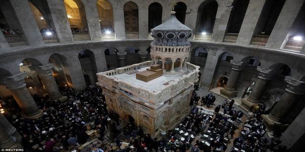 Αναφορά για ανεξήγητο φαινόμενο κατά την αναστήλωση του Πανάγιου Τάφου από την ελληνική ομάδα