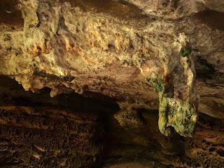 Salão das Estalactites, na Pedra do Segredo, em Caçapava do Sul