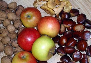 Nueces, manzanas, setas y castañas