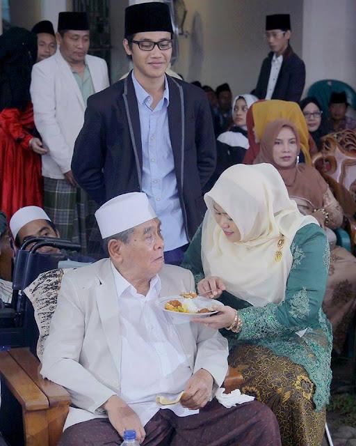 Sang Isteri Marah, Karena Melihat Kiai Arwani jadi Rebutan Bidadari Sorga