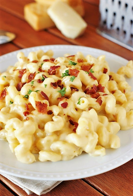 Creamy 5-Cheese Stovetop Macaroni and Cheese Image