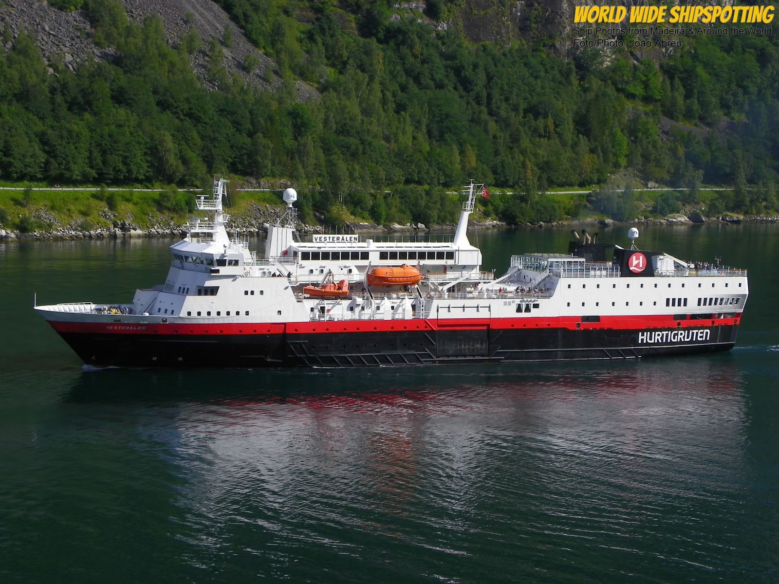 Hurtigruten national geographic