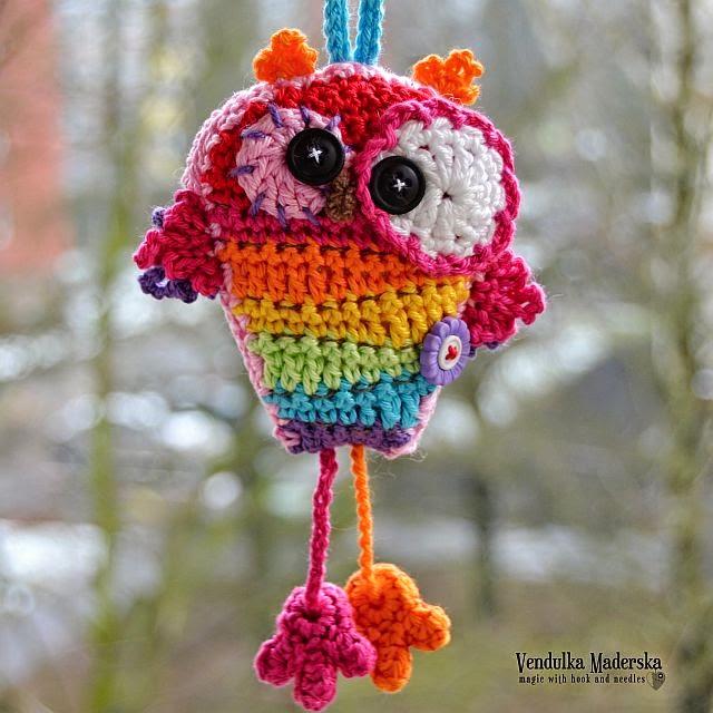 crochet rainbow owl by Vendula Maderska
