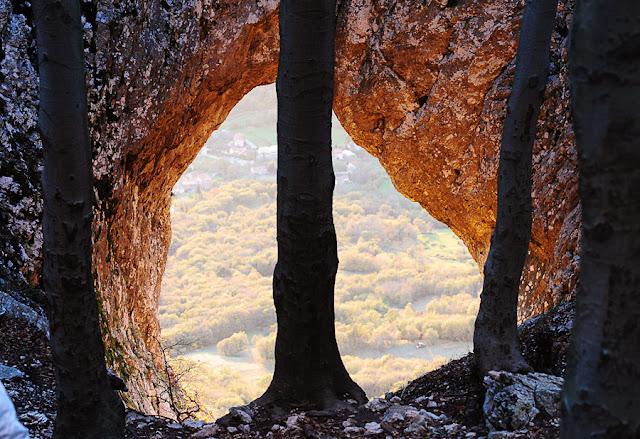 Otliško okno Vipavska dolina Lahkih nog naokrog