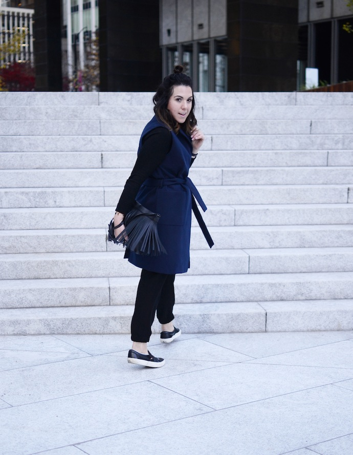 Hudson's Bay Topshop sleeveless coat navy blue and black fashion blogger Vancouver