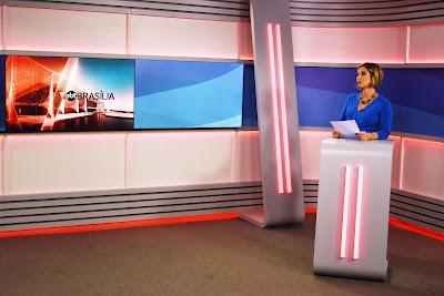 Neila Medeiros no novo cenário de SBT Brasília - Divulgação