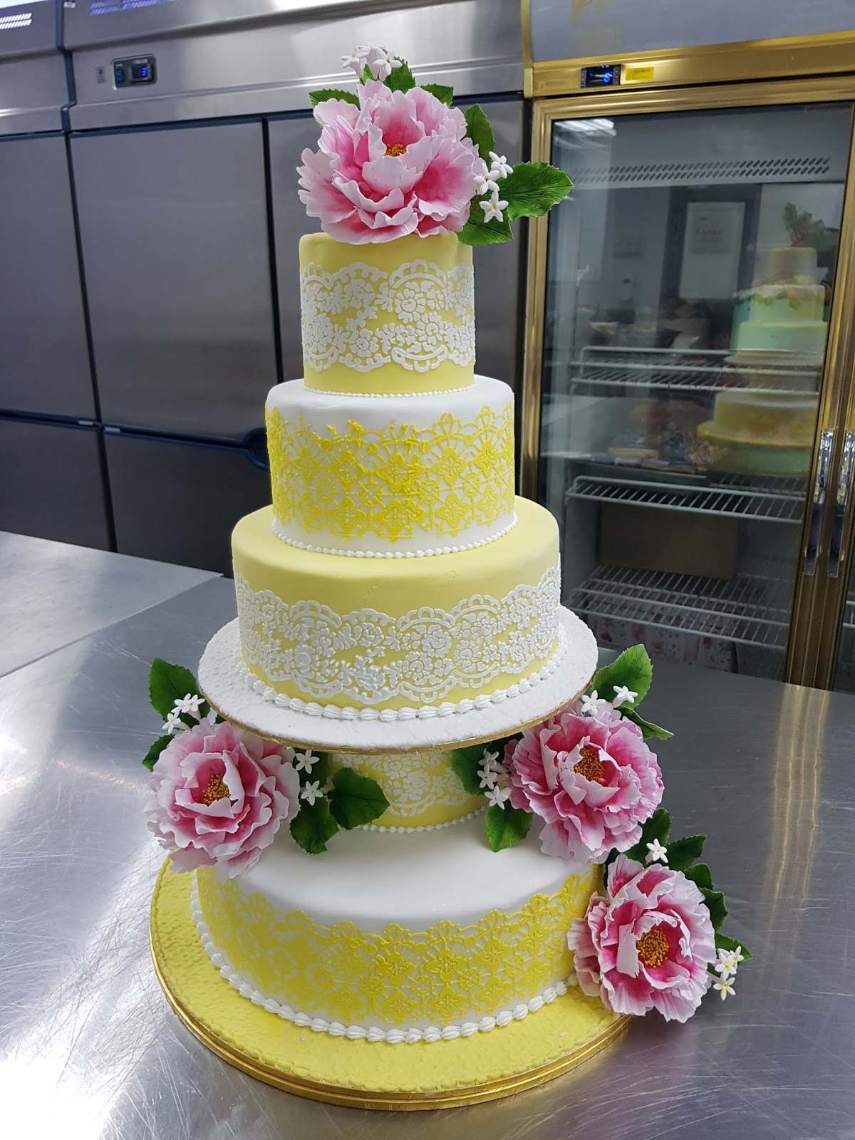 Cake expressions sugarcraft me at 0192349452 junglespirit Images