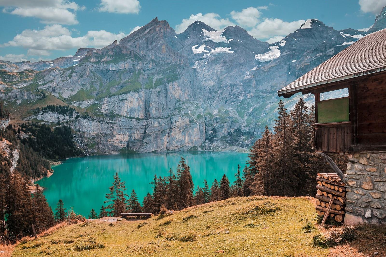 Jezioro Oeschinen w Szwajcarii