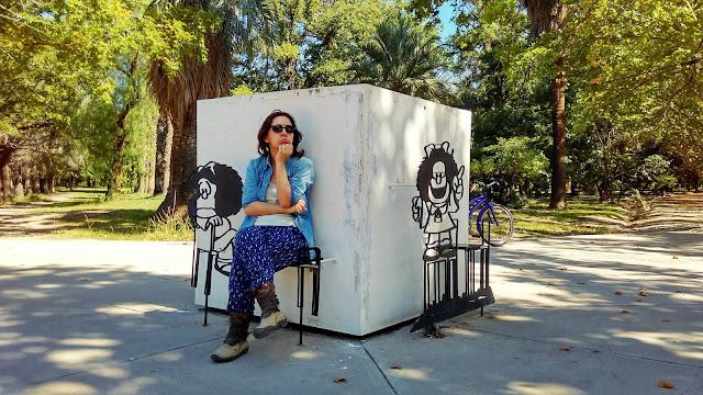 Um monumento à Mafalda no Parque General San Martín.