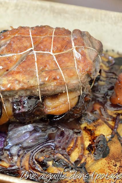 Rôti de magret de canard aux pruneaux et abricots secs