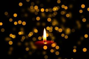 Frasi Sulle Candele Di Natale.Frasi Religiose Sulla Morte Pensieri Cristiani Celebri E