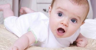 bayi umur 3 bulan