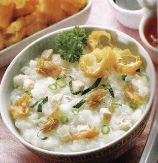 Bagi pecinta bubur ayam niscaya tidak absurd lagi dong dengan Resep Bubur Ayam Cina Paling Populer