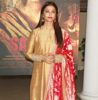 Aishwarya Rai in Lovely Silk Salwar Suit at Sarbjit movie Poster Launch