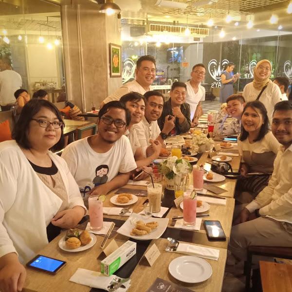 Kay's Cafe Tempat Nongkrong Cozy di Pasar Baru Mansion