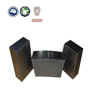 Refractory materials for industrial furnaces