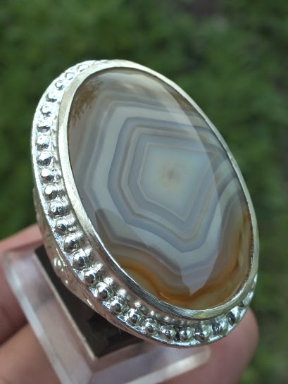 chalcedony agate