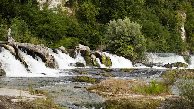 Great places to visit near Zurich: Rhine Falls