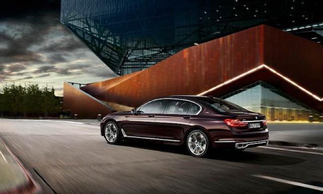 2017 BMW M760Li XDrive V12 Excellence
