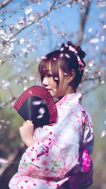 iPhone 7 Cute Chines Girls Wallpapers Free Download