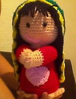 http://novedadesjenpoali.blogspot.com.es/2013/02/virgencita-2-amigurumi.html