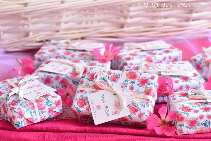 detalles boda romantica jabones naturales florales