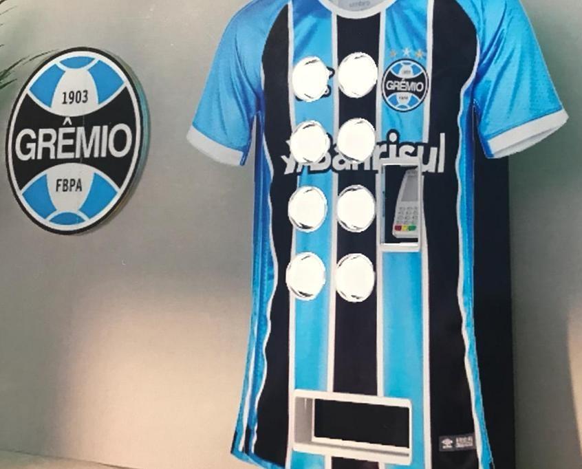 172f2109969b4 A Classic Football Shirts possui a maior coleção de camisas internacionais  de futebol. A loja faz entregas no mundo todo e usando o cupom