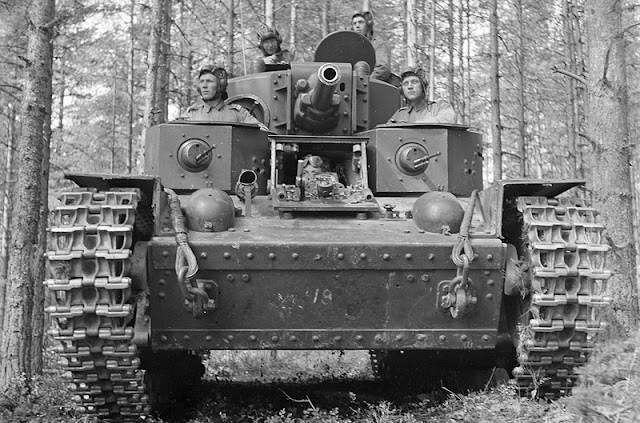 Captured Soviet T-28 tank, 28 July 1941 worldwartwo.filminspector.com