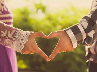 Ciri Cowok Jatuh Cinta Sama Cewek