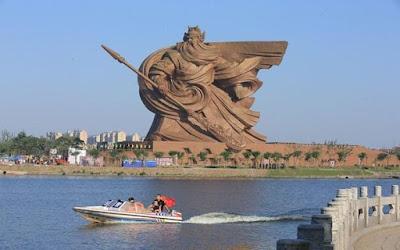 Megahnya Patung Colossal Guan Yu di Jingzhou
