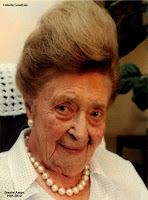 Jeanne Ampe als 105-jarige, 1905-2010