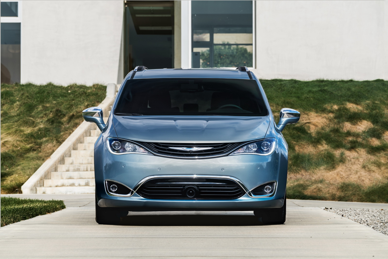 2017 chrysler pacifica offered in five trims priced from 28 595 msrp. Black Bedroom Furniture Sets. Home Design Ideas