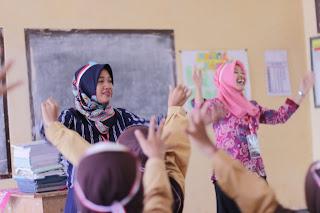 Relawan Lintas Profesi, Mengajar di Sekolahan Terpencil