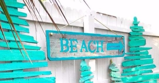 Diy Painted Wood Christmas Tree Ideas Coastal Beach Style