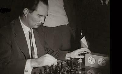 Partida O'Kelly vs. Rossolimo en el II Torneo Internacional de Ajedrez Madrid 1957
