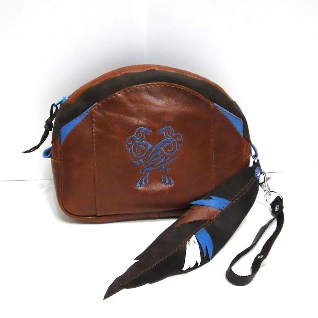 Женская барсетка кожа с вышивкой Кельтские птицы - кожаная сумочка косметичка ручной работы