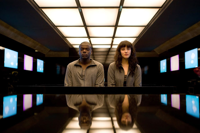 Daniel Kaluuya's Black Mirror character is named Bing. I bet his dead brother's name was Google.